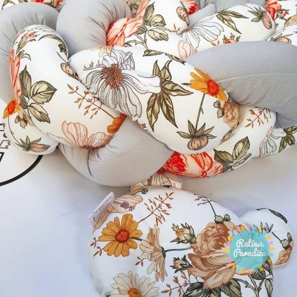 Kokvilnas-apmalīte-bērna-gultiņai-Бортик-Косичка-PUER-exclusive-Flowers-light-gray-(3)