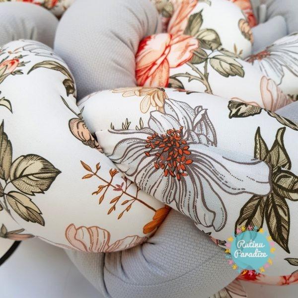 Kokvilnas-apmalīte-bērna-gultiņai-Бортик-Косичка-PUER-exclusive-Flowers-light-gray-(2)
