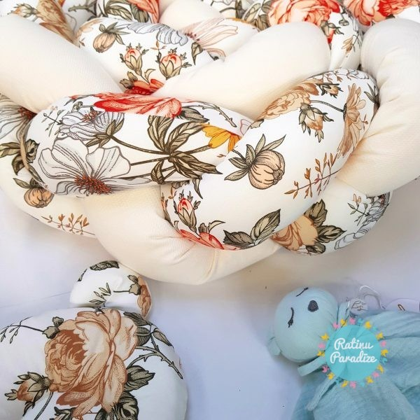 Kokvilnas-apmalīte-bērna-gultiņai-Бортик-Косичка-PUER-exclusive-Flowers-beige-(7)