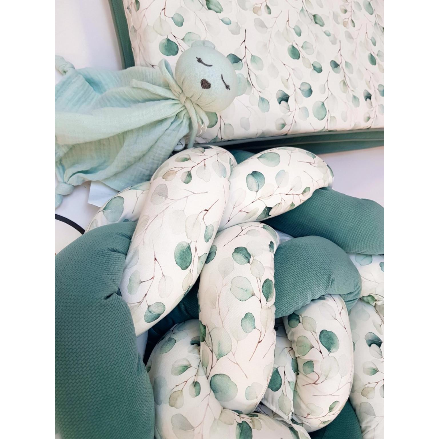 Kokvilnas-apmalīte-bērna-gultiņai-Бортик-Косичка-PUER-exclusive-Eucalyptus-(6)
